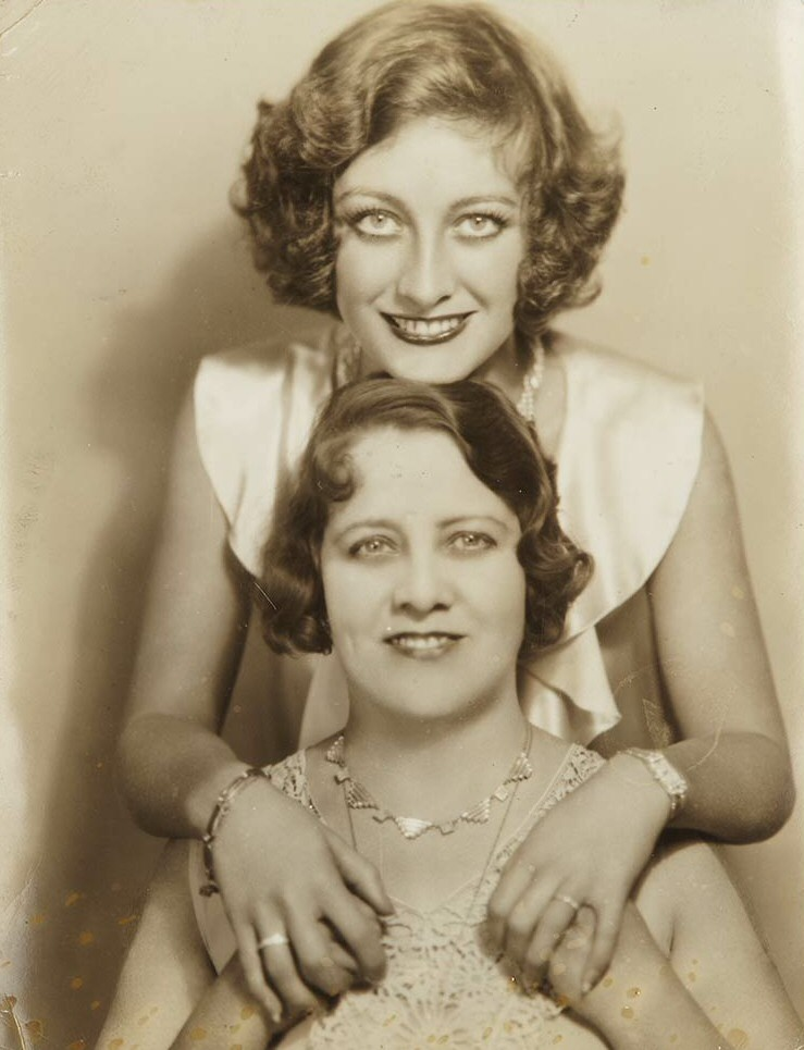 1929. With her mother, Anna Belle. From Joan's personal collection. Auctioned by Doyle New York on 12/7/11.