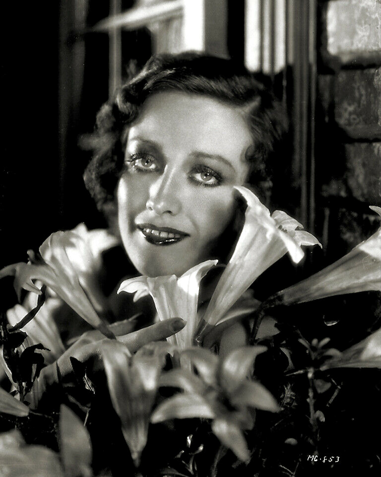 1930 publicity shot by Hurrell.