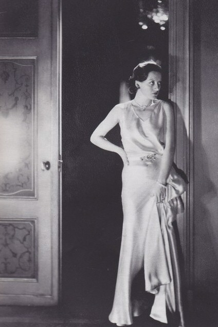 1931. Shot by Cecil Beaton.