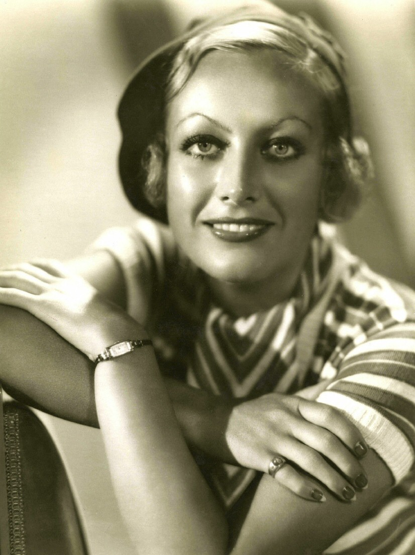 1931 publicity shot by Hurrell.