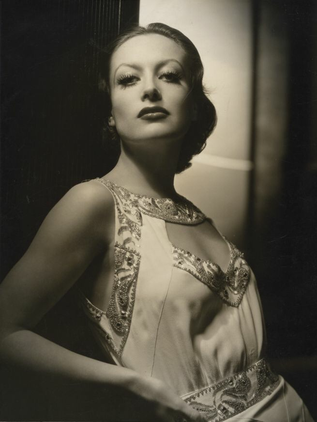 1932. Shot by George Hurrell.
