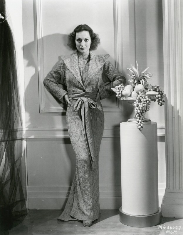 1934 publicity shot by Hurrell.