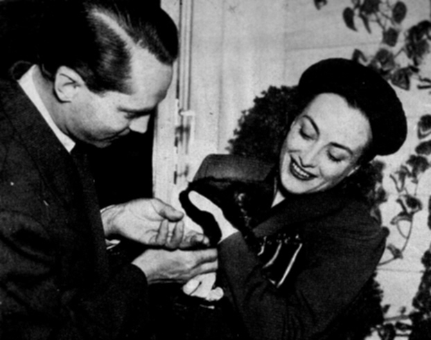 1936. Candid with Franchot Tone. (Thanks to Matt Treadaway.)