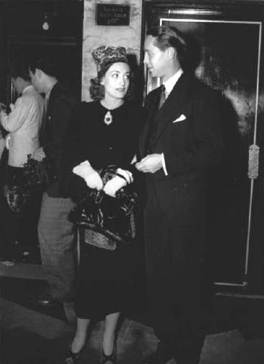1937. At the 'Prisoner of Zenda' premiere with husband Franchot Tone.