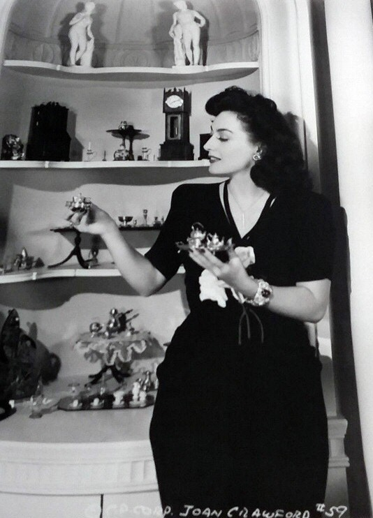 1942. Columbia publicity, Joan at home.