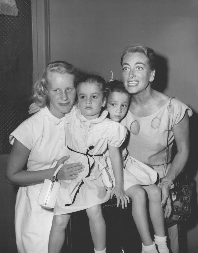 November 1951. With Christina and The Twins.