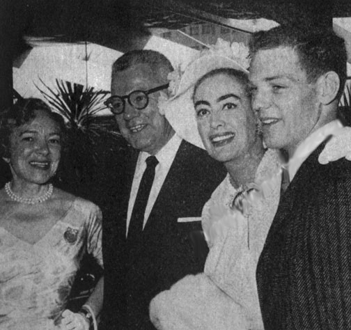 1956. London. Helen Hayes, Al Steele, Joan, James MacArthur.