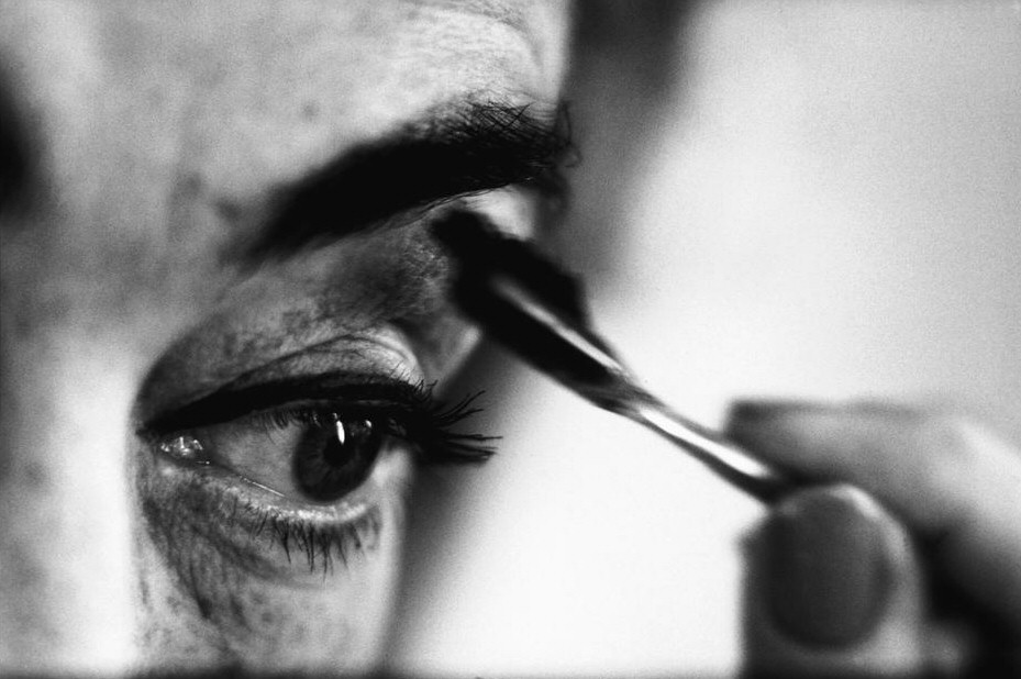 The Crawford Eye, as appeared in Life magazine, 10/05/59. Photo by Eve Arnold.