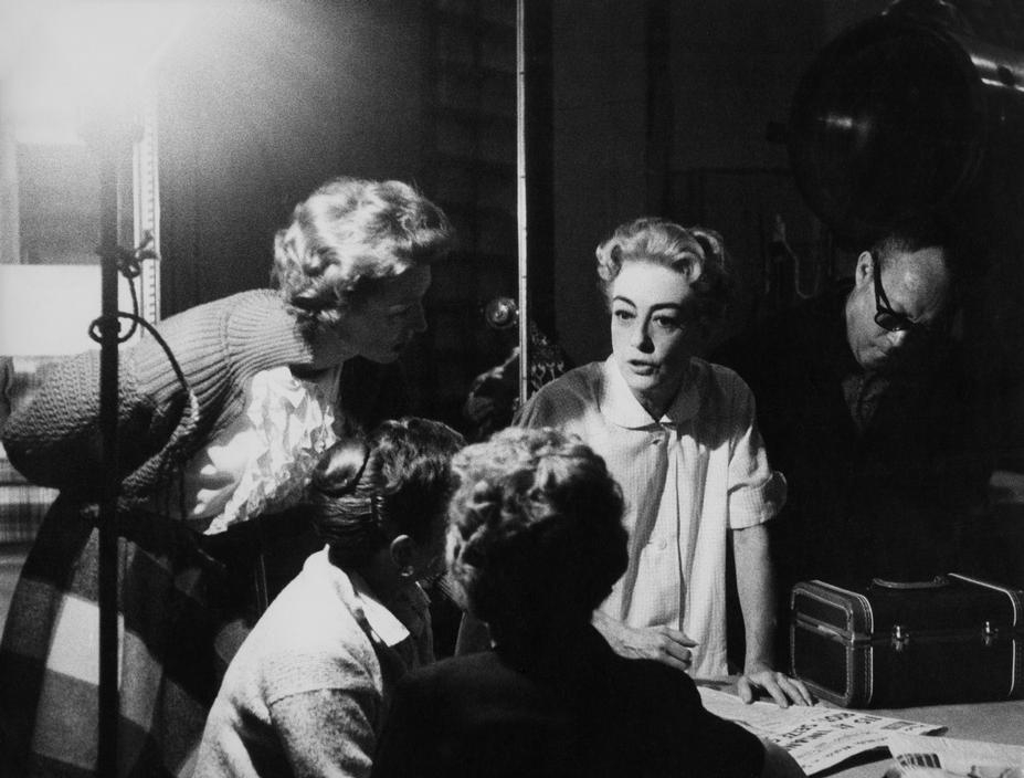 1959 on the set of 'The Best of Everything.' Shot by Eve Arnold. (Thanks to Bryan Johnson.)