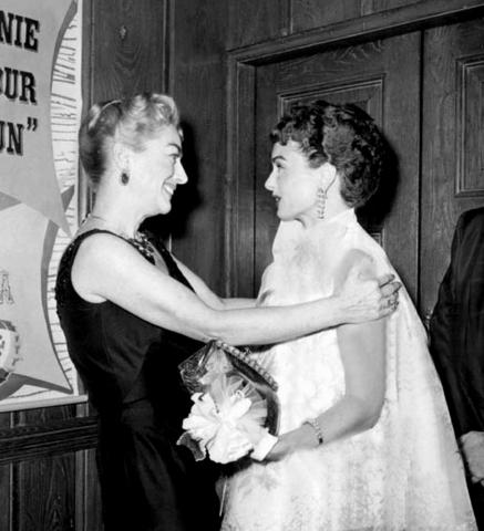 1959. Joan with Ann Blyth.