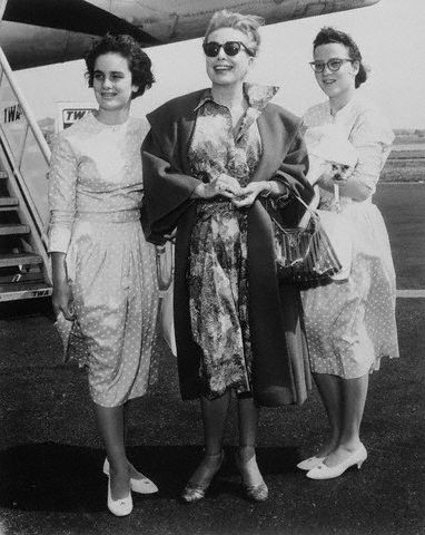 September 4, 1960. Joan and the Twins in New York after their Brazilian cruise.