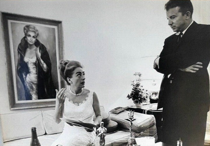 1963. Photo shoot at home for 'Business Week,' with magazine LA chief Tom Self.