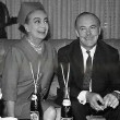December 14, 1966, at the Gresham Hotel in Dublin. Joan Crawford Press Conference at the Gresham Hotel. Press photo caption: Joan Crawford, a director of Pepsi Cola, is in Dublin with Mr. Len Leech, the company's Vice-President for the Northern European Division, for meetings with Pepsi's bottlers in Ireland to discuss new plans for expansion in 1967.