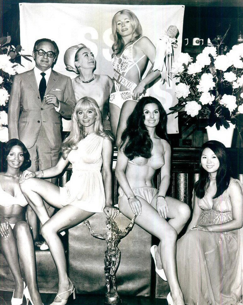 June 1970. Promoting the 'Miss Venus' pageant with Dino de Laurentiis.