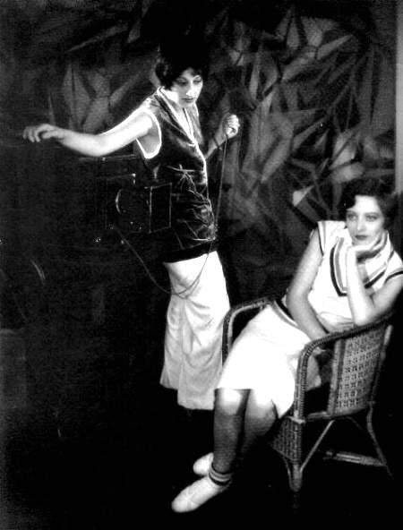 Joan being photographed by Ruth Harriet Louise in May 1928. Shot by Clarence Sinclair Bull.