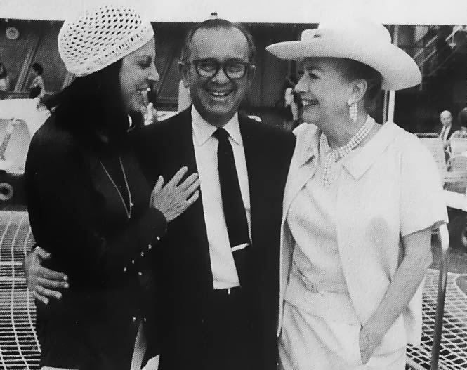 1971, with author Jacqueline Susann and Leo Jaffe.