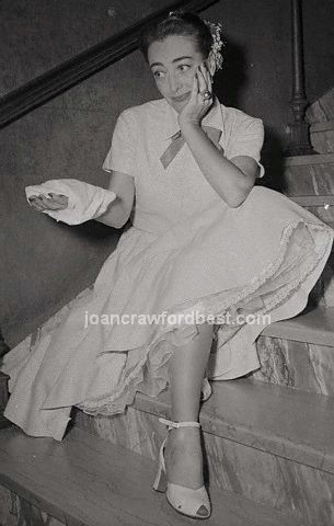 August 7, 1952. Joan recuperates after the 'Sudden Fear' premiere.